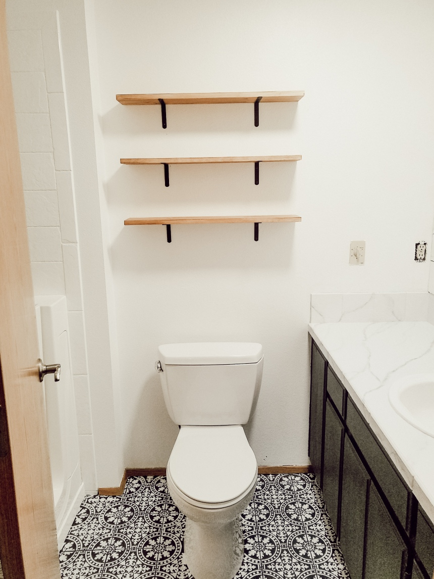 Finds and Dines DIY Farmhouse Open Shelving in the Guest Bathroom (6)