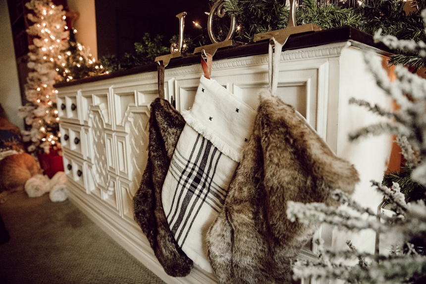 Finds and Dines Holiday Home Tour 7-2