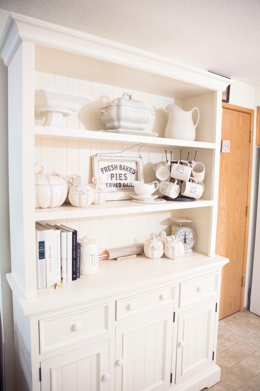 Finds and Dines Neutral Fall Hutch Restyle 2