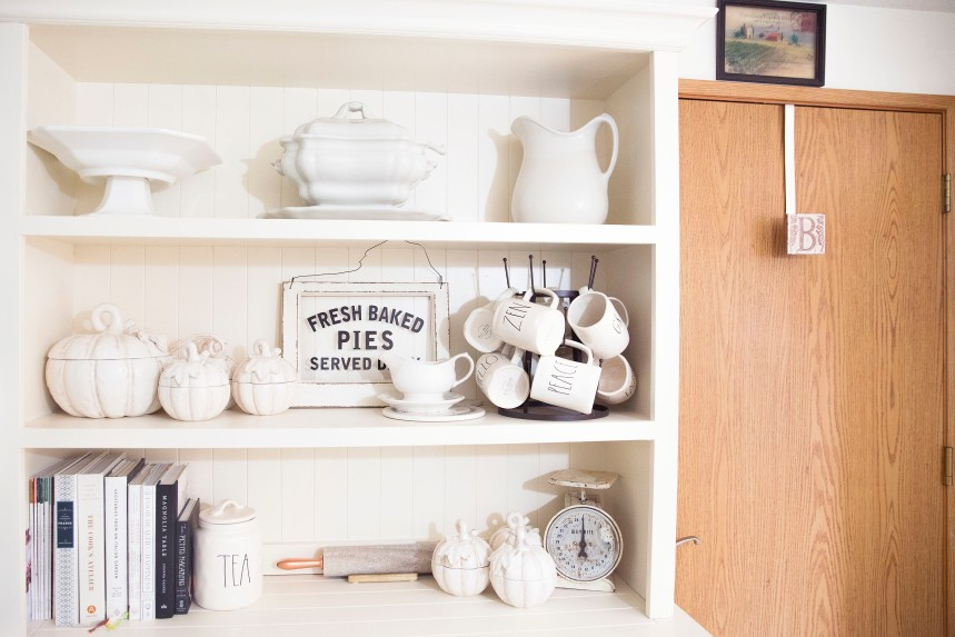 Finds and Dines Neutral Fall Hutch Restyle