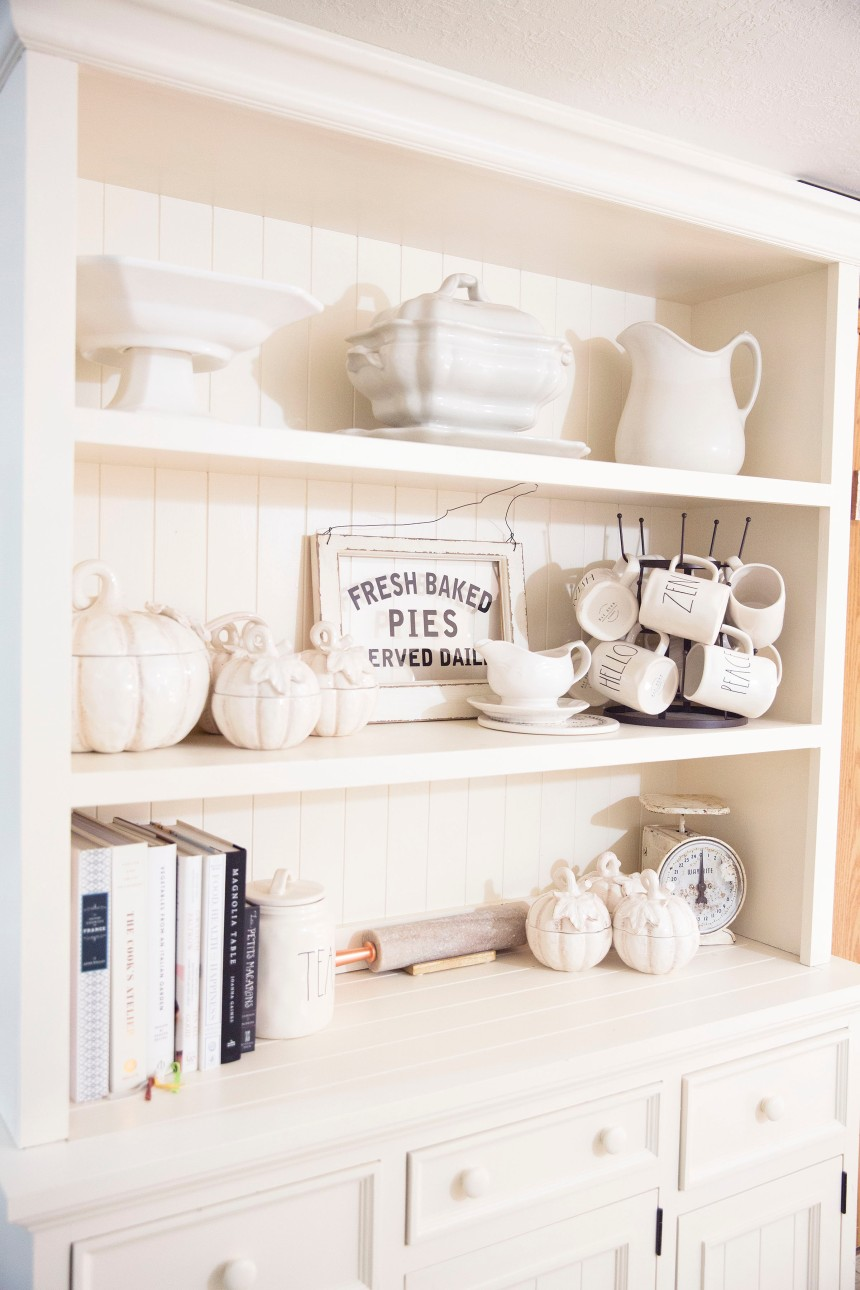 Finds and Dines Neutral Fall Hutch Restyle 3