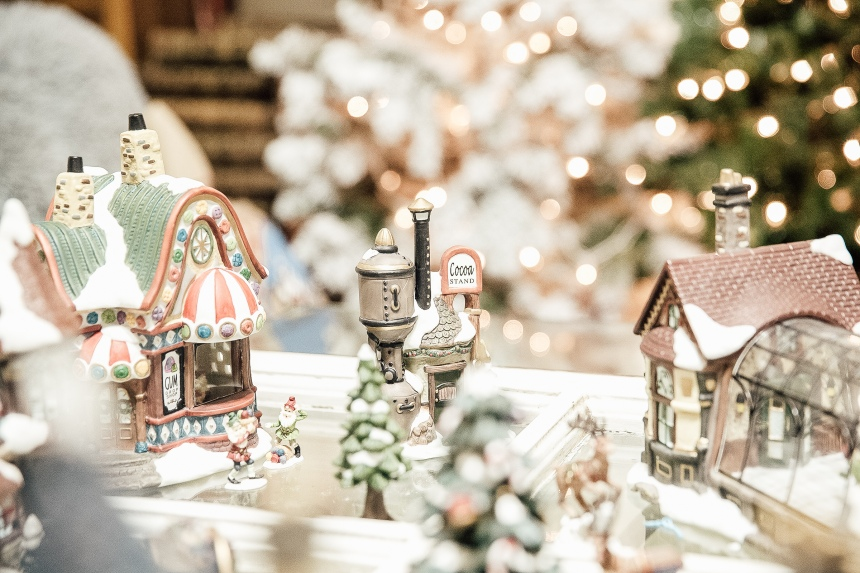 Finds and Dines Holiday Home Tour 12-2