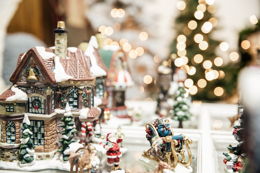 Finds and Dines Holiday Home Tour 10-2