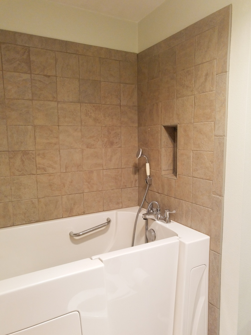 Finds and Dines Bathroom Rano Tile Refinish (2)