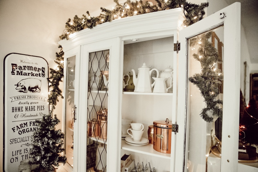 Finds and Dines Holiday Home Tour 25-2