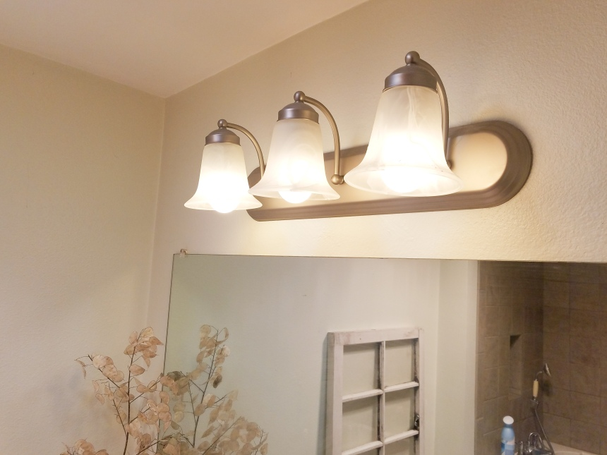 Finds and Dines DIY Painted Hardware and Fixtures (1)