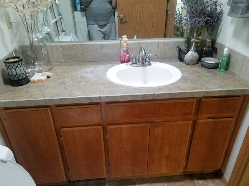 Finds and Dines DIY Chalk Painted Bathroom Cabinets (3)